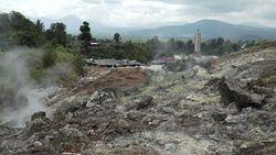 インドネシア・ミナハサ高原- ブキトカシ地熱渓谷―1