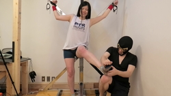 I tried to see if a former athlete beauty trained in sports can withstand tickling!