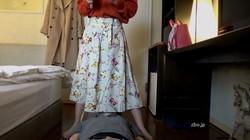 【1円】仰向けになってる男性の顔を女性が跨いで真下からパンツ見せてる動画(サイドカメラ)